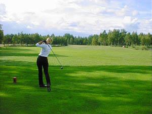 Pääsiäisenä pelataan Suomessa ainakin viidellä kentällä.