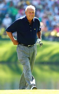 Arnold Palmerin mielestä roikkuvat housut ja paidan päällä retkottava paita eivät edusta kunnon golfetikettiä.  &copy Getty Images