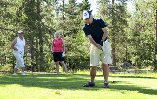Reijo Lahtinen on rento kaveri sekä kentällä että sen ulkopuolella. Ihmisen perusluonne tulee esille myös golfissa.
