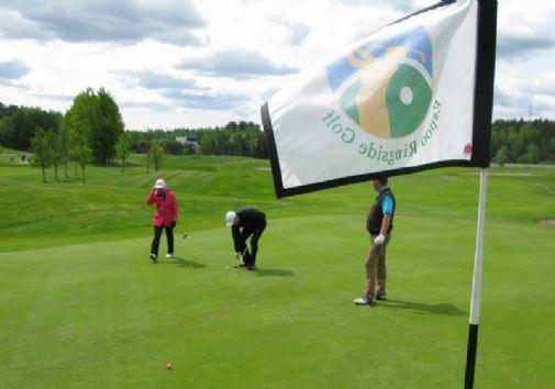 Espoon Ringside Golfissa on puhaltanut jäsenmäärän osalta viimeisten  vuosien aikana kova myötätuuli. 86f03f11c0