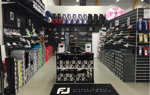 Kengät ja etenkin golfasusteet ovat kasvattaneet osuuttaan golfvälinealan kaupassa.