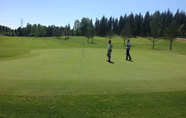 Kurk Golfin viheriöt  kestävät nykyään  vertailun varsin kovassakin seurassa.
