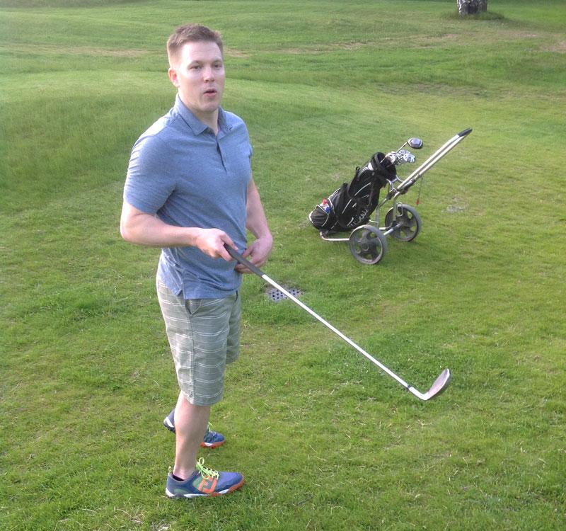 Juha Perälän seikkailut golfkentillä jatkuvat lähipäivinä, green cardin suorittaminen ajoittunee aikaan ennen juhannusta.
