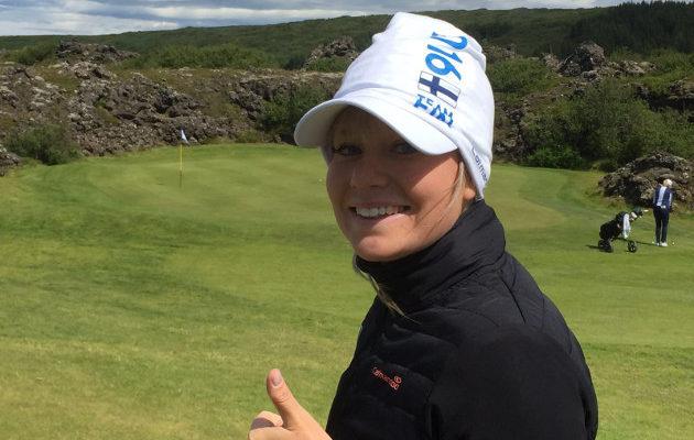 Matilda Castrén sai tulikasteensa ammattilaisena Rinkven Golf Clubilla. Kuva: Juha Skyttä