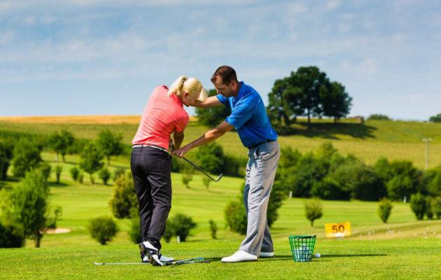 Noin yhdeksän kymmenestä golfin aloittavasta käy alkeiskurssin.