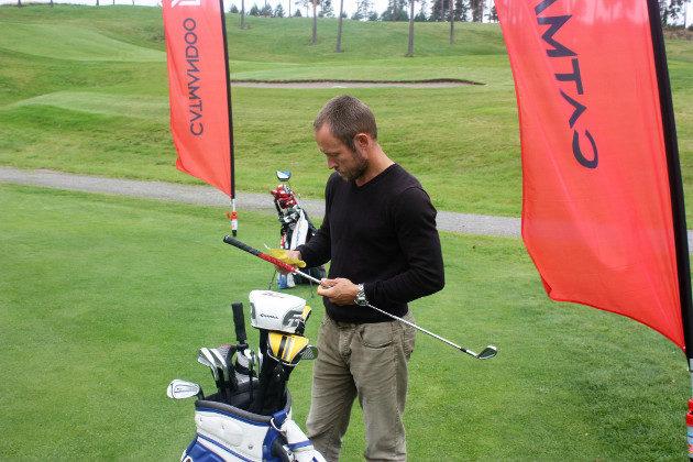 Antti on paitsi Jennan valmentaja ja mentori, myös isä ja huolellinen caddie.