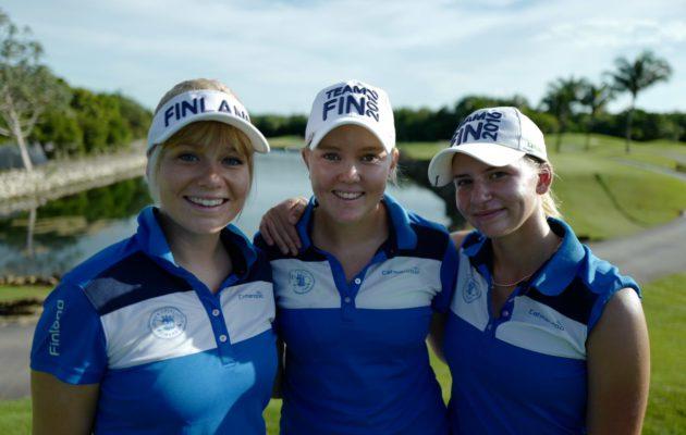 Matilda Castren, Emily Penttilä ja Daniella Barrett muodostivat naisten MM-joukkueen syksyllä 2016.