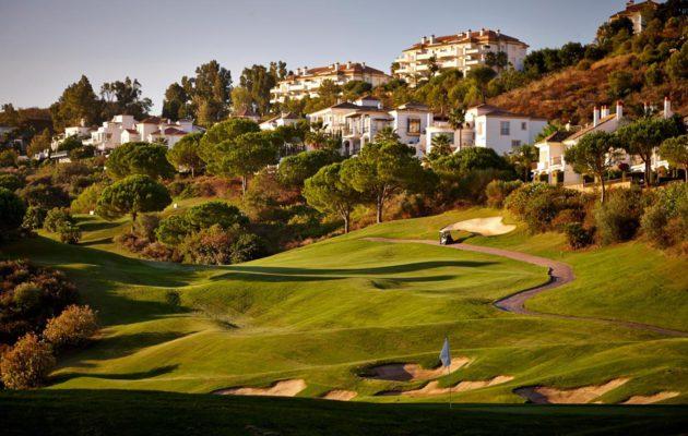 Golfturistin haaste ja painajainen, josta sivulle pelaaminen on muutaman epäonnistumisen jälkeen ainoa vaihtoehto.