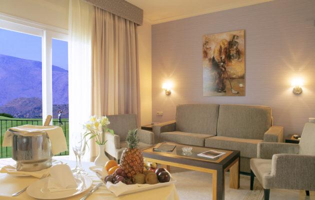 Hotel La Cala-Resort.Habitaciones.La Cala de Mijas.Mancomunidad de Municipios de la Costa Occidental.Provincia de Málaga. 2005.