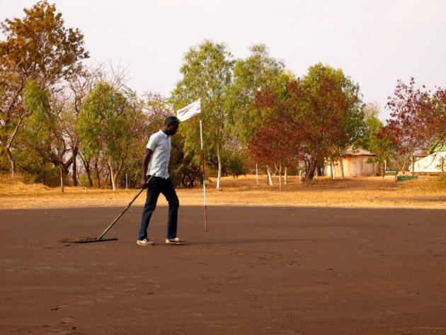 """Ouagadougoun """"brownkeeper"""" työssään."""