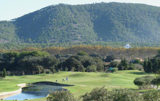 Mallorcan kentiltä löytyy upeita maisemia, kuten kuvan Pula Golfista.
