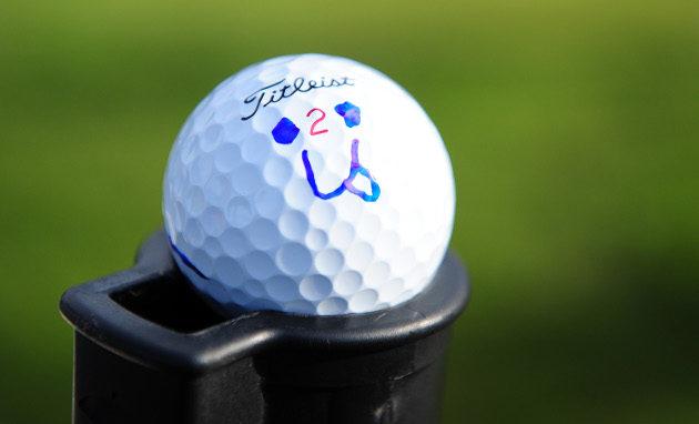 Nykyiset golfpallot voivat kantaa ja vieriä pisimpien lyöjien toimesta yli 350 metrin päähän. Se rajaa yhä useampia hienoja kenttiä huippugolfin ulkopuolelle. Kuva: Getty Images