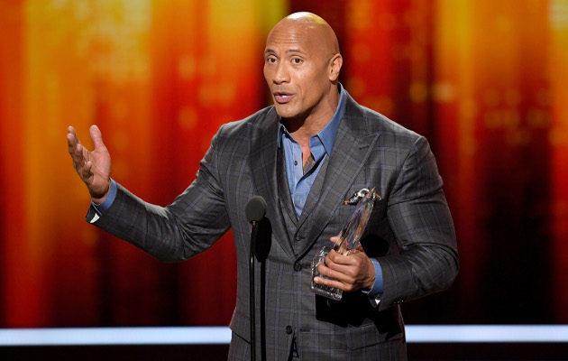 Pallo saa Dwayne Johnsonin raameilla kyytiä, mutta onko väitetyn draivin mitassa hieman show-miehen lisää? Kuva: Getty Images