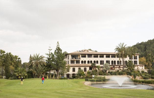 Son Muntanerin päätösväylän takana oleva Sheraton tarjoaa hyvän majoituksen golfturistille.