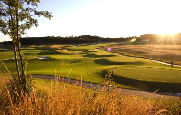 Kytäjä Golfin kaksi kenttää valmistuivat 2000-luvun alussa ja nostivat Suomessa melkoisesti rimaa tasokkaan golfkentän määritelmässä.  Kuva: Lassi Pekka Tilander