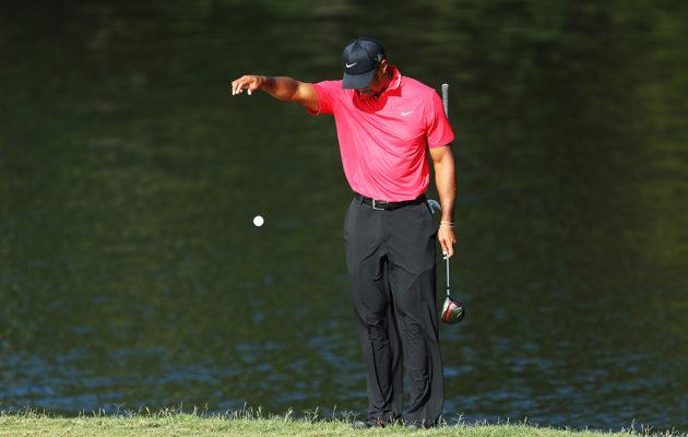 Tiger Woodsinkaan ei tarvitse jatkossa dropata enää olkapään korkeudelta, mikäli golfiin kaudeksi 2019 kaavaillut sääntömuutokset toteutuvat. Kuva Getty Images
