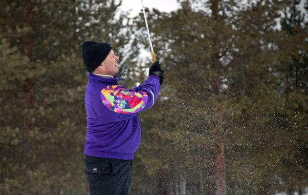 USGA:n toimitusjohtaja Mike Davisin tyylinäyte Santa Claus Golf Tournamentissa. Kuva: Inka Porttila