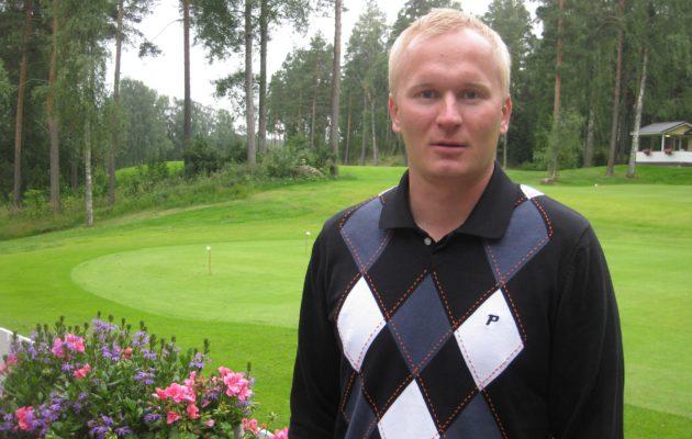 Juha Ruponen oli nuoruudessaan LG:n edustuspelaajia. Edelliskaudella hän osallistui villillä kortilla Vierumäki Finnish Challengeen.