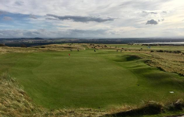 Gullane No 1. -kentältä avautuvat upeat näkymät yli Itä-Lothianin hallintoalueen.