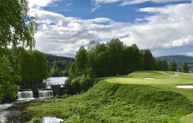 Oslo Golfklubb on tunnelmaltaan ja maisemiltaan täydellisyyttä hipova golfkokemus.