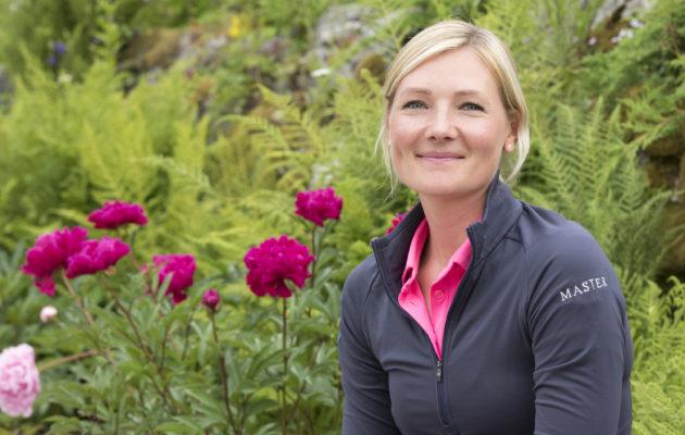Stenna Westerlund nauttii olostaan Master Golfissa. Hän on löytänyt sieltä oman paikkansa. Kuva Juha Hakulinen.