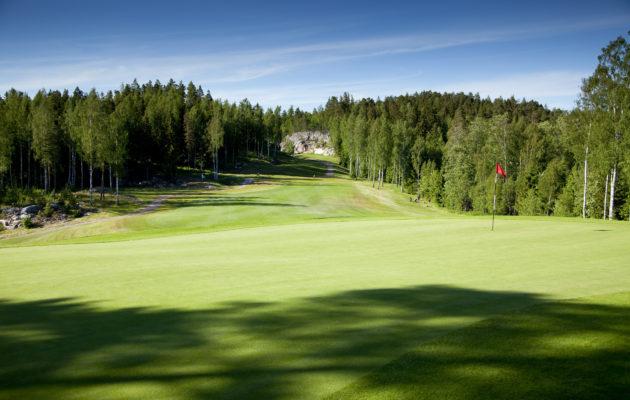 Kullo Golf sijaitsee Porvoossa, noin 35 kilometrin päässä Helsingin keskustasta.