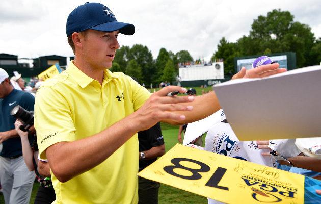 Jordan Spieth on yksi niistä harvoista pelaajista sitten Tiger Woodsin huippuvuosien, joka on saanut aikaan yleisön joukossa supertähden kohtelun. Kuva: Getty Images