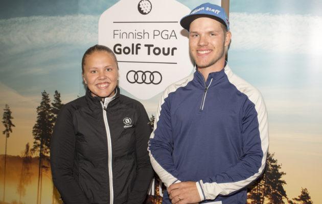 Tuoreet Finnish Tour -voittajat Emmi Jalkanen ja Juhana Kukkonen olivat yhtä hymyä palkintojenjaossa. Kuva Juha Hakulinen.