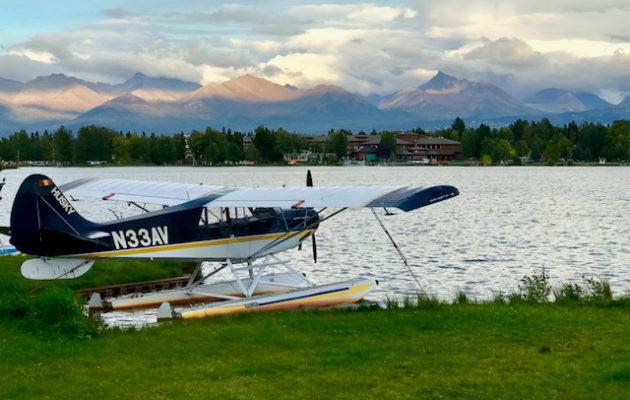 Pienkoneiden lentokenttä Alaskan tapaan.