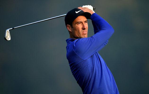 Lokakuussa kahdessa peräkkäisessä kilpailussa toiseksi sijoittunut Ross Fisher pelaa Mizunon raudoilla. Kuva: Getty Images