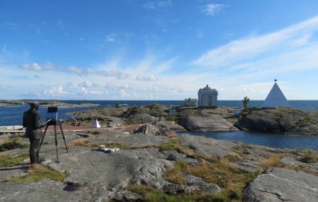 Saariston leuto meri-ilmasto poikkeaa manner-Suomesta ja meren, luotojen ja saarien luonto on ainutlaatuinen.