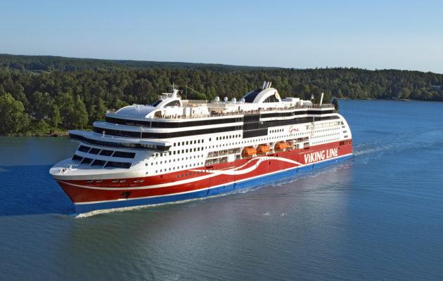 Ahvenanmaan tavoittaa vajaassa tunnissa Helsingistä lentäen. Turusta laivamatka sujuu hieman runsaassa viidessä tunnissa.