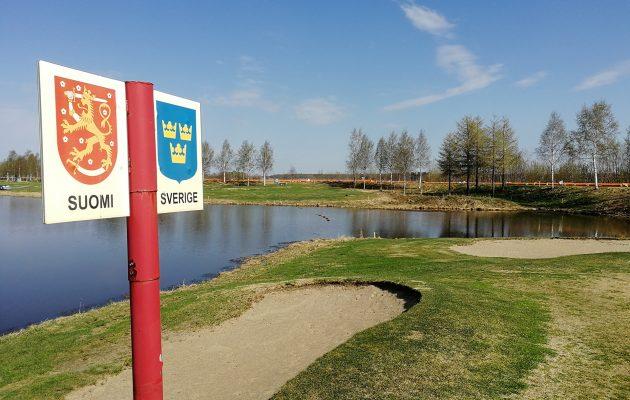 Väylät 5 ja 6 kulkevat heti patovallin takana. Suomen ja Ruotsin vaakunat ovat 6. griinin reunassa ja valtakunnan raja kulkee keskeltä griinin poikki.