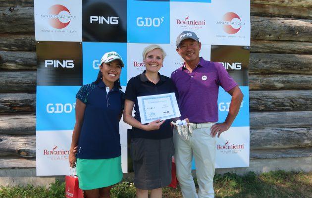 Mina Nakayama, Pia Lillberg ja Yuoshinobu Tsukada hymyilivät vielä kilpaa palkintojenjaossa oltuaan kukin yli 30 tuntia hereillä.