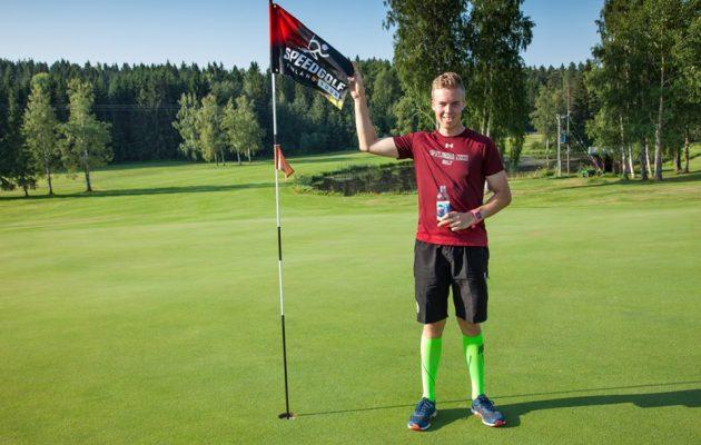 Henrik Honkalehto voitti speedgolfin SM-kultaa kolmen lyönnin marginaalilla.