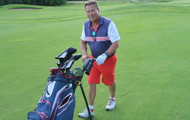 Markku Aro pelaa suurimman osan golfkierroksistaan Nokia River Golfissa, jonne hänellä on kotoaan matkaa vartin verran.
