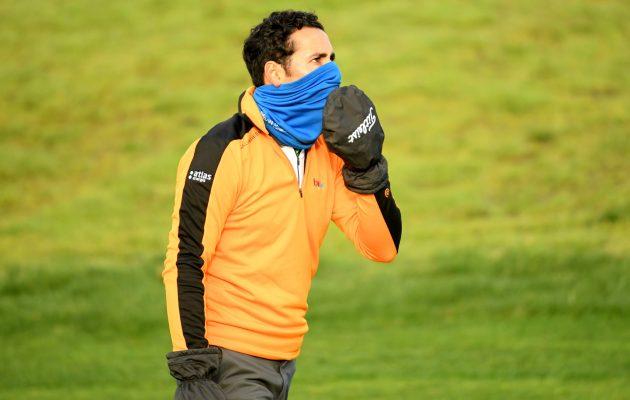 Viileällä pelisäällä olisi hyvä välttää käyttämästä alhaisessa lämpötilassa säilytettyjä palloja. Kuva: Getty Images