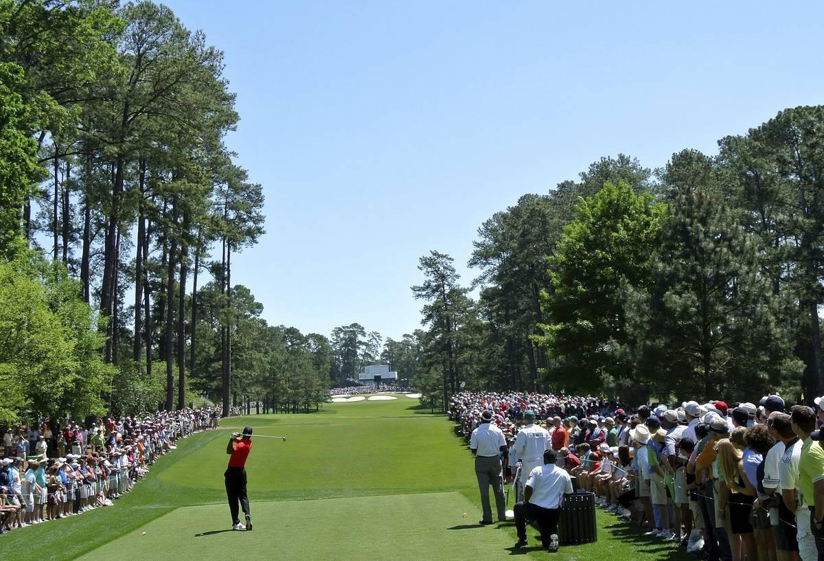 Tiger Woods on suomalaisten golfasiantuntijoiden selkeä suosikki Mastersin voittajaksi.