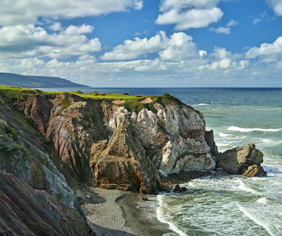 Listan yhdeksännen, Cabot Cliffsin, 16. reikä on 161 metriä pitkä kaunokainen.