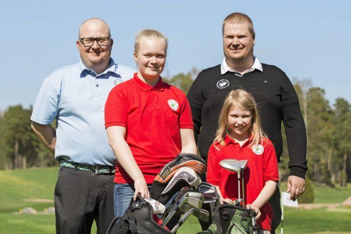 Mika Marjasto (vas.) ja Sami Ahokas yhdistävät oman golfreissun Tyttögolfleirin yhteyteen. Matilda ja Peppi odottavat jo innokkaasti leirin alkua.